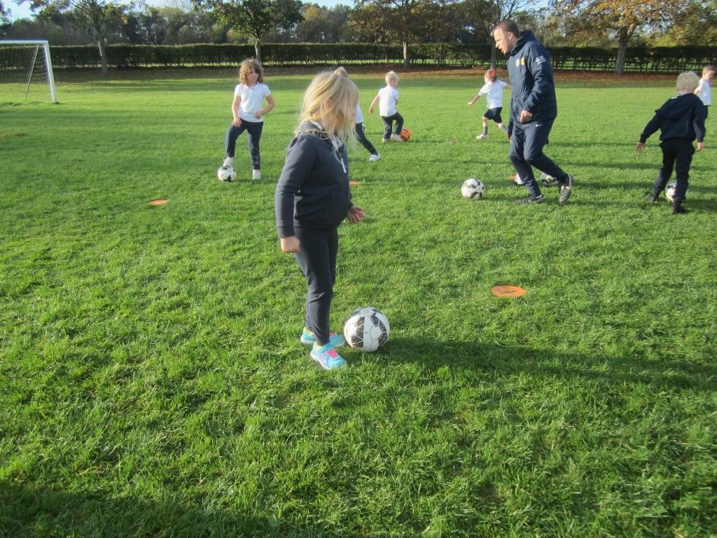 KS1 Football Skills (6)
